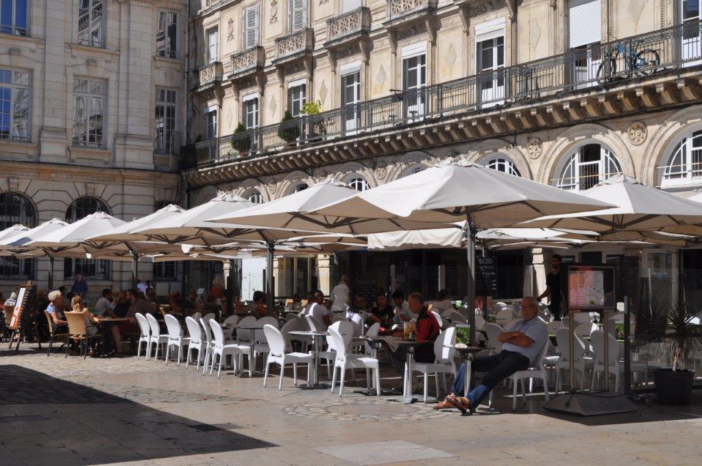 commerce et restaurant de la Rochelle