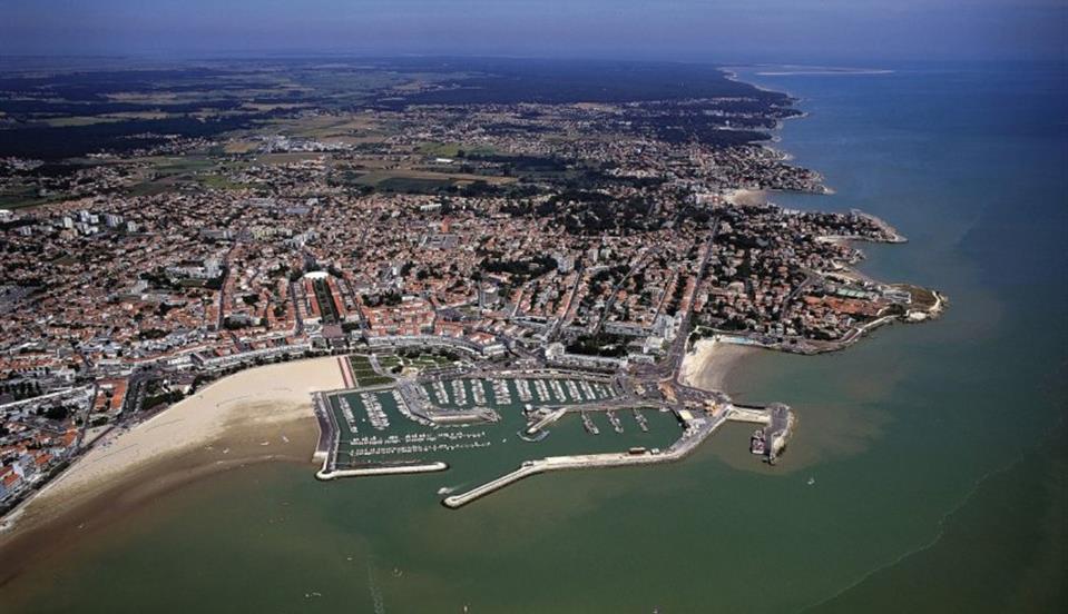 ville de Charente Maritime près du camping